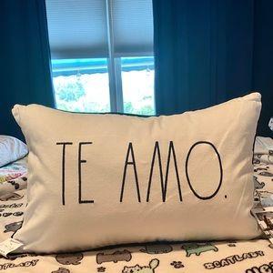 ❤️Rae Dunn TE AMO. (I Love You) Accent Pillow
